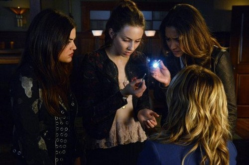 "Pretty Little Liars RECAP 1/28/14: Season 4 Episode 17 ""Bite Your Tongue"""