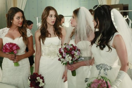 "Pretty Little Liars RECAP 3/11/14: Season 4 Episode 23 ""Unbridled"""