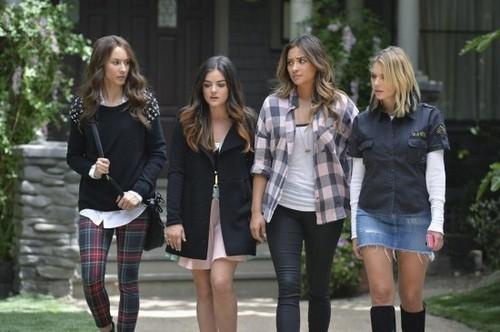 """Pretty Little Liars Live Recap: Season 5 Episode 10 """"A Dark Ali"""" 8/12/14"""