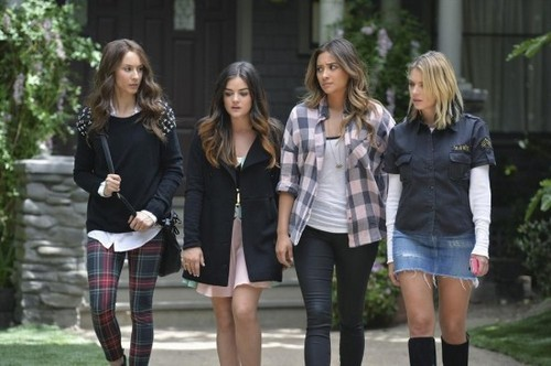 "Pretty Little Liars Live Recap: Season 5 Episode 10 ""A Dark Ali"" 8/12/14"