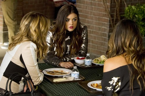 "Pretty Little Liars Season 4 Episode 20 Review: Spoilers Episode 21 ""She's Come Undone"""