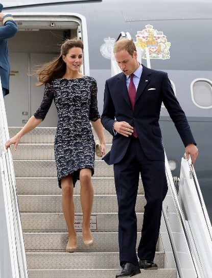Prince William and Kate Finally Touch Down on Canadian Soil - Photo