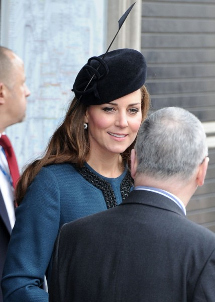 Kate Middleton, Prince William Blamed For Queen Elizabeth's Failing Health?  0325