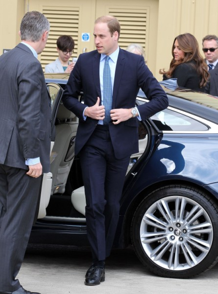 Kate Middleton Battles Interfering Royals, Demands Prince William Be In Delivery Room 0517