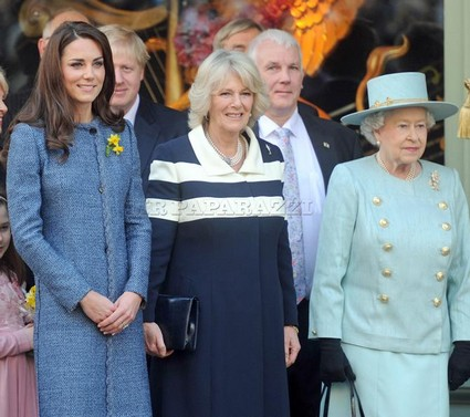 Kate Middleton Shares A Day With Two Queens But No Prince (Photo)