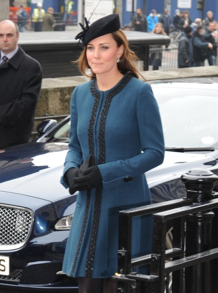 Queen Elizabeth Forcing Kate Middleton To Work More - Pushy Or Practical? (Photos) 0320