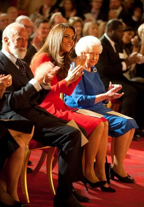 Queen Elizabeth Favors Kate Middleton and Prince William For The Throne: Camilla Parker-Bowles Loses Her Mind (PHOTOS)