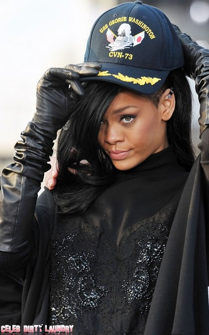 Rihanna Desperate To Play Whitney Houston On The Big Screen