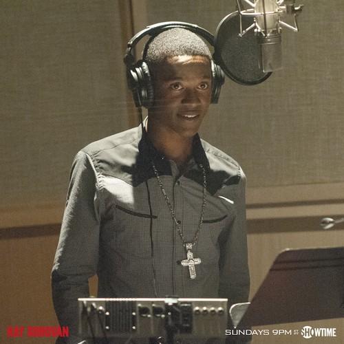 "Ray Donovan Detailed Recap: Season 2 Episode 9 ""Snowflake"""