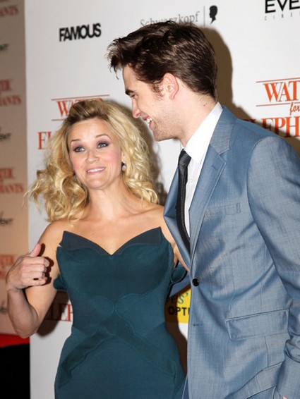 Reese Witherspoon Fascinated That Fans Want To Be Touched By Robert Pattinson