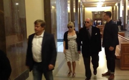 Reese Witherspoon Forced To Take Sides In Her Parent's Bigamy Case (Video)