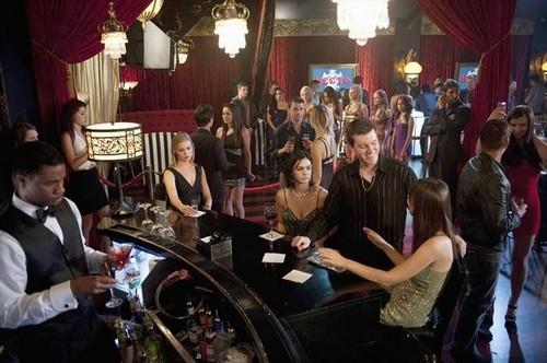 "Revenge Season 2 Episode 8 ""Lineage"" Recap 11/25/12"