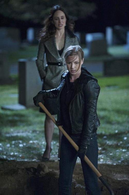 "Revenge Spoilers Season 3 Finale ""Execution"" Sneak Peek Video"