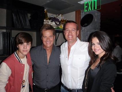 Justin Bieber And Selena Gomez Smooching And Boob Grabbing Says Witness (Photo)