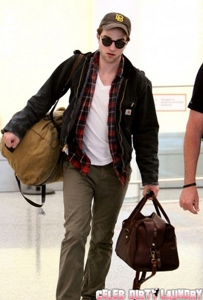 Robert Pattinson Returns To Toronto, Without Kristen Stewart
