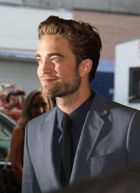 Does Robert Pattinson Want to be a Pornstar now? (Video)