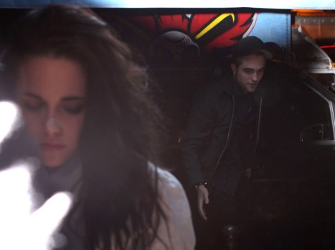 Robert Pattinson Forgives Kristen Stewart And They Are Back Together? 0916