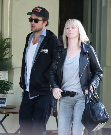 Robert Pattinson Partying Continues, Picks Up Girl Who Isn't Kristen Stewart! 1010