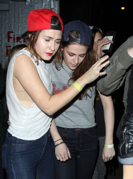 Robert Pattinson Bans Kristen Stewart From Visiting Him In Australia, Needs A Break From Her 0307