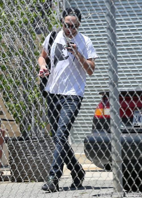 Robert Pattinson Still In Love With Kristen Stewart, Obsessed and Desperate - Report