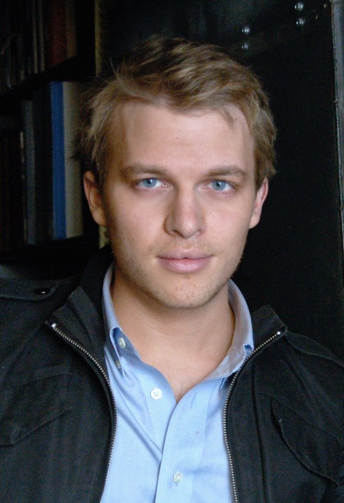 Meet Ronan Farrow: Mia Farrow And Frank Sinatra's Love Child, Not Woody Allen's Kid