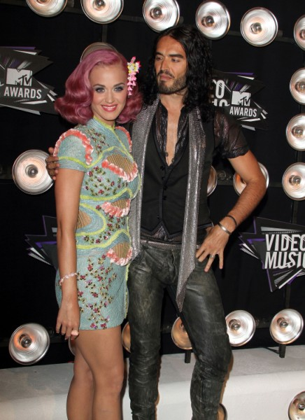 Russell Brand Slams Katy Perry Romance Then Whisks Demi Moore Off To India 0205