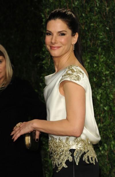 Sandra Bullock Strips For Chelsea Handler, Jennifer Aniston Jealous! 1016