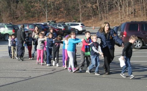 Connecticut School Shooting Tragedy Claims 27 Lives 1214