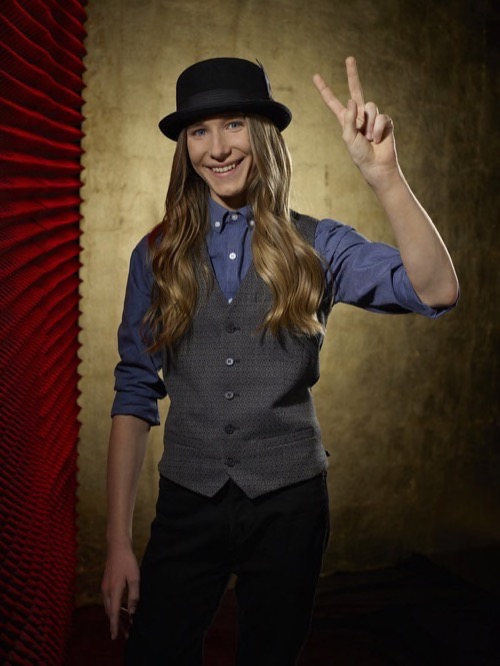 """WATCH Sawyer Fredericks Perform """"Take Me to the River"""" on The Voice Top 6 Video 5/4/15"""