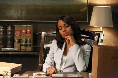 "Scandal RECAP 5/16/13: Season 2 Finale ""White Hat's Back On"""