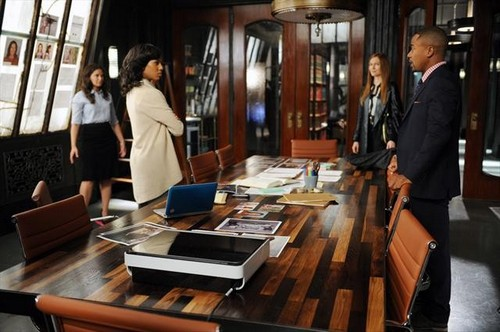 "Scandal Season 2 Episode 5 ""All Roads Lead to Fitz"" Recap 11/8/12"