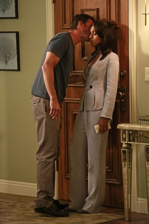 "Scandal RECAP 10/17/13: Season 3 Episode 3 ""Mrs. Smith Goes to Washington"""