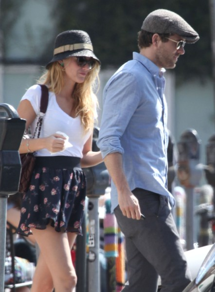 Blake Lively, Ryan Reynolds On The Rocks? Actor Had Same Problems With Scarlett Johansson 0208