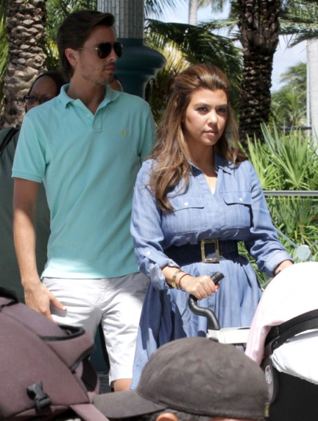 Scott Disick Cheats On Kourtney Kardasian While She's Off Making All Their Money 1015