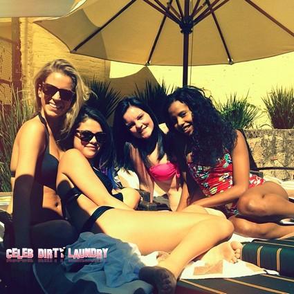Selena Gomez Hot Bikini Twitter Pic - Is Justin Bieber Jealous? (Photo)