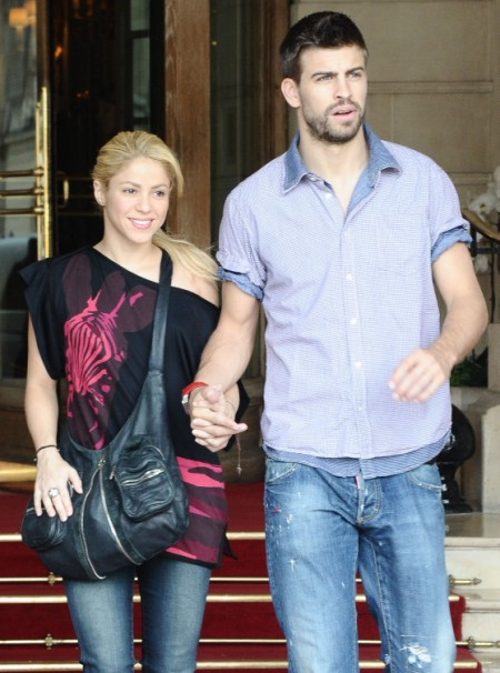 Report: Shakira Pregnant With First Child 0919