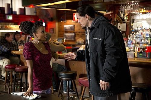 """Shameless RECAP 2/2/14: Season 4 Episode 4 """"Strangers on a Train"""""""