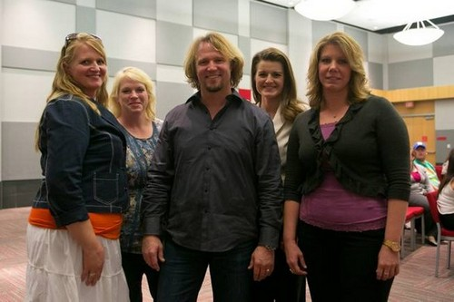 "Sister Wives Season 4 Episode 1 ""Polygamist Debt Threat"" Recap 11/18/12"