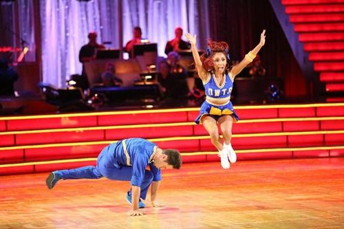 "Nicole ""Snooki"" Polizzi Dancing With the Stars Jazz Video 10/14/13"