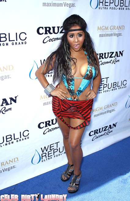 Snooki Over Tanned, Under Dressed Gnome Hosts A Pool Party at Wet Republic - Photos