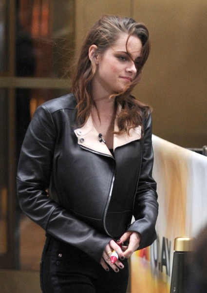 Kristen Stewart: Snow White And The Huntsman Sequel's A Strong Possibility 1109