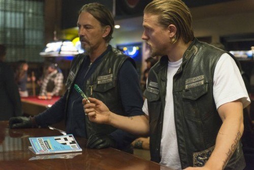 "Sons of Anarchy Season 6 Episode 5 REVIEW ""The Mad King"""