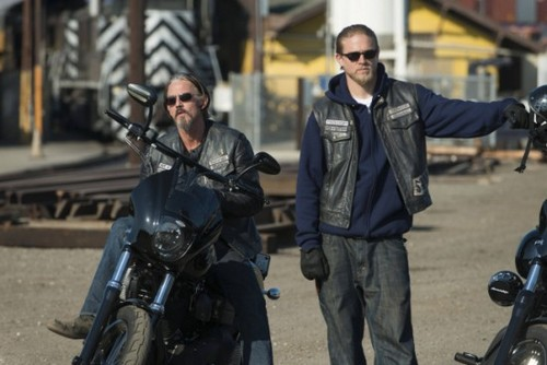 "Sons of Anarchy Season 6 Episode 8 Review - Spoilers Episode 9 ""John 8:32"""