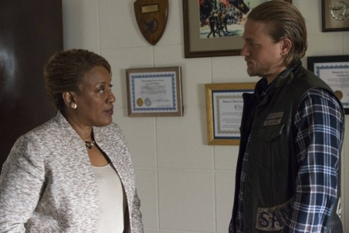 "Sons of Anarchy RECAP 11/5/13: Season 6 Episode 9 ""John 8:32"""