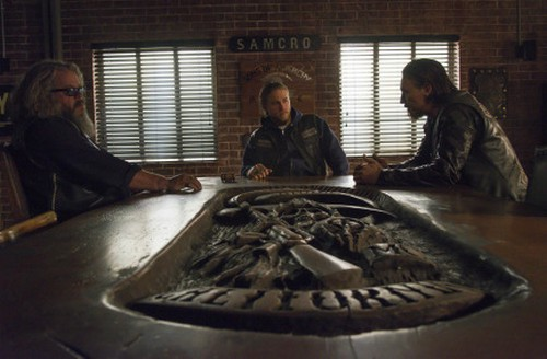 "Sons of Anarchy RECAP 12/10/13: Season 6 Finale ""A Mother's Work"""