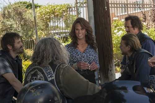 """Sons of Anarchy Spoilers Season 7  Episode 5 """"Some Strange Eruption"""" Synopsis (VIDEO)"""