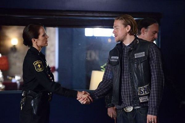 """Sons of Anarchy Best Detailed Recap: Season 7 Episode 3 """"Playing With Monsters"""""""