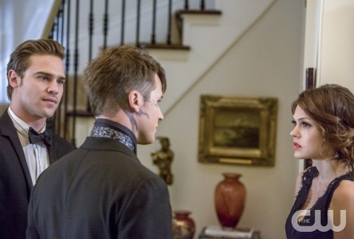 "Star-Crossed RECAP 3/24/14: Season 1 Episode 6 ""Stabbed With a White Wench's Black Eye"""