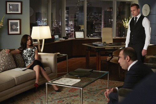"Suits Detailed Recap: Season 4 Episode 9 ""Gone"""
