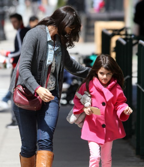 Suri Cruise Designing Shoe Line - Is Katie Holmes Using Her For Publicity? 0510